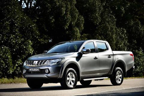 """Neuer L200 Mitsubishi ist """"Pick-up of the Year"""" 2015 in Großbritannien"""