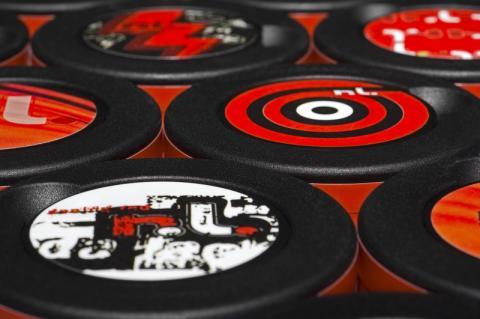 1 Röda Lacket - 21 olika snusdosor