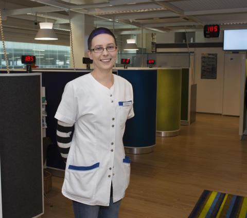 Asiakkaat arvostavat reseptiloosseja, joissa voi asioida kaikessa rauhassa, Vantaanportin apteekin farmaseutti Mari Heinonen sanoo.