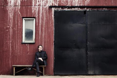 Helsvenskt program när Tobias Ringborg är både solist och dirigent med Gävle Symfoniorkester