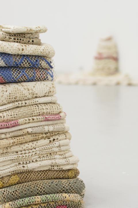 Petra Hultman_Arbete i textil, Mary Hultman (filebroderi hålsöm)