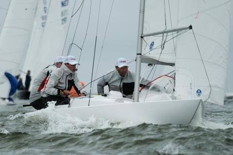 Hi-res image - YANMAR - YANMAR has revived its Dragon Class yacht racing team, YANMAR Racing