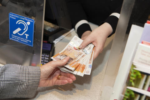 Post Office announces new agreement with 28 UK banks to ensure millions of people across the UK have national free access to everyday  banking services