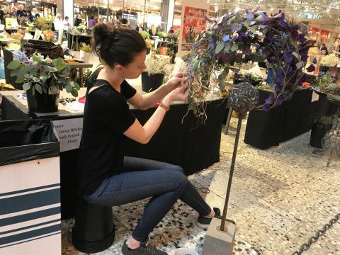 2018 års vinnare i Blomsterbinderi SM på Nordstan - Hanna Björklund från Butik Botanik