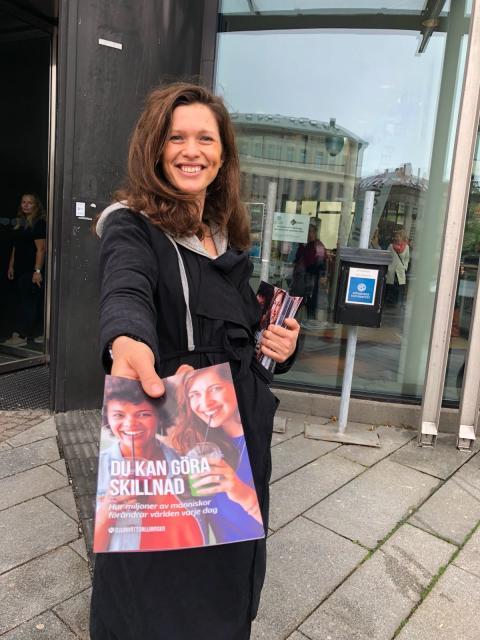 Information om veganism delas ut till studenter i Kalmar