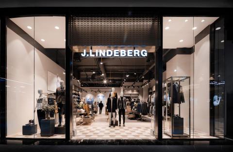 Mall Of Scandinavia. -Fem nyckelfärdiga butiker, 10 shop-in-shops och mer därtill.