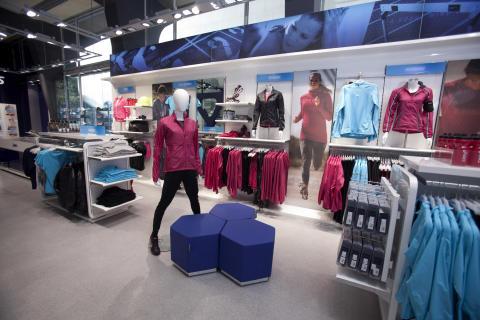 ASICS Flagship Store_interiör