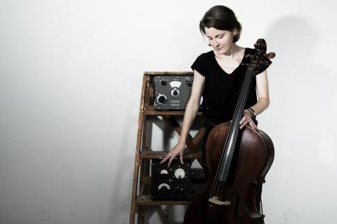 Aina Myrstener Cello