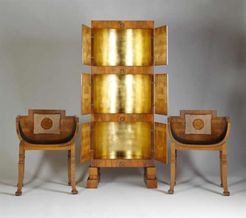 Skåp av Carl Hörvik med tillhörande stolar.