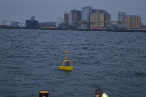 Strömbojen på plats i Öresund