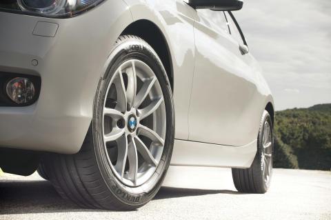 Dunlop julkistaa erinomaiset EU-rengasluokitukset saaneen high performance -renkaan