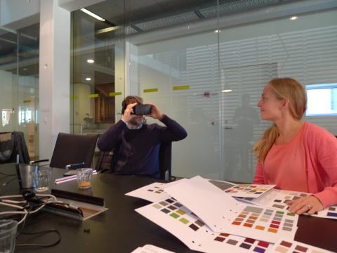 Thomas Larsen og Ulla Eltang Sylvestersen fra Statsbiblioteket ser det kommende projekt med virtual reality