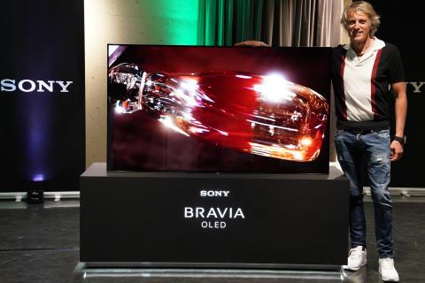 Sony y Jesús Calleja presentan el nuevo televisor BRAVIA 4K OLED serie A1
