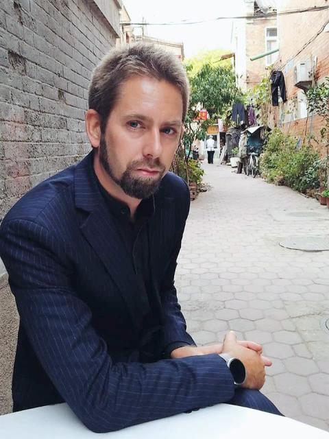 Svensk människorättsförsvarare häktad i Kina