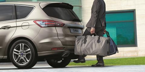 Nye Ford S-MAX, nå også med automatisk baklukeåpner