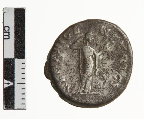 Bagsiden af romersk denar fra Hillested-skatten med gudinden Venus.
