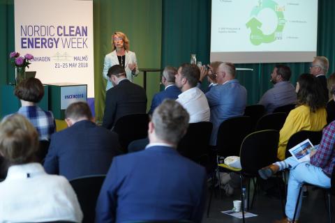 Kristina Helles, Svenska Retursystem, talar på Nordic Clean Energy Week 2018