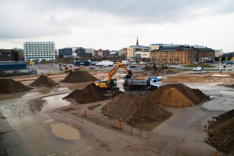 Här grävs för kretsloppet till nya stadsdelen Oceanhamnen