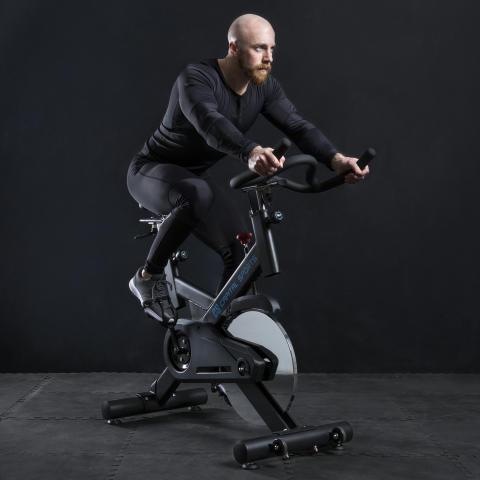Spinnado Pro 18 Indoor Bike 10032049 ambiente black