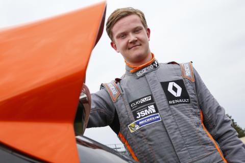 """Caldana siktar uppåt inför """"andra halvlek"""" i Renault Clio Cup"""