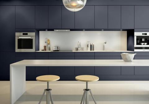 Sigdal kjøkken - Amfi Eik, fargekode: Jotun Blå Harmoni S6010 R70B