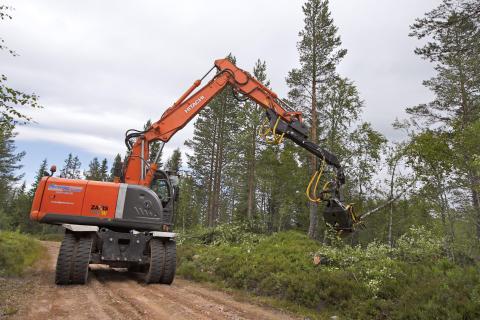 Ny uppgift för hjulgrävaren: Siktröjning med energiuttag