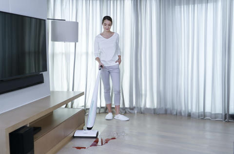 Global launch of revolutionary bionic 4-in-1 wet and dry dual-clean cordless  upright hard-floor cleaner at CES 2020