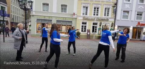 Rücken-Flashmob in Moers