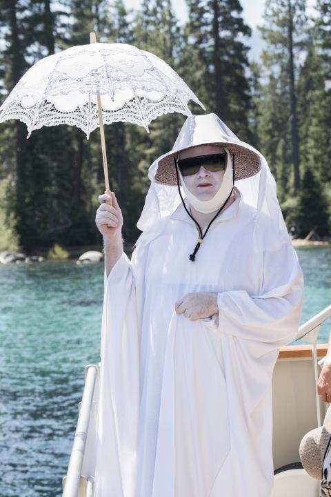 Eric Stonestreet som Cameron i avsnitt 1 säsong 9 av Modern Family premiär på FOX den 4/2