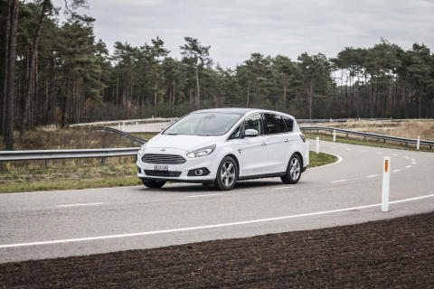 Ford S-MAX AWD (1)