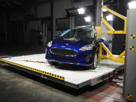 2017 Ford Fiesta pole test