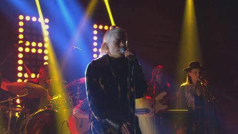Se Frida Sundemo tolka *NSYNC i På Spåret