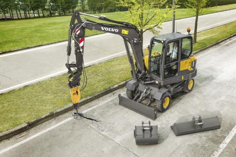 Volvo EW60E grävmaskin - flexibilitet med redskap från Volvo Construction Equipment