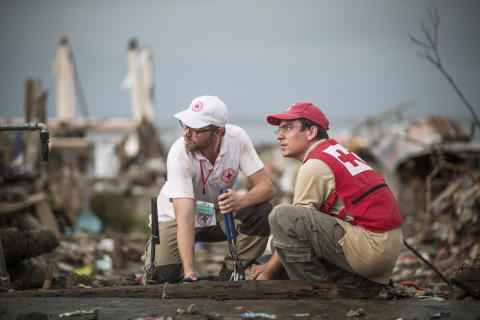 Rödakorsdelegater i Filippinerna