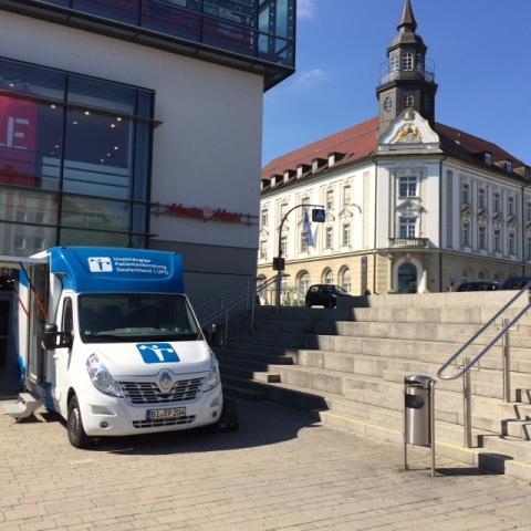 Beratungsmobil der Unabhängigen Patientenberatung kommt am 4. September nach Kempten (Allgäu).