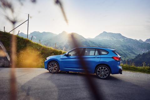 Helt nya BMW X1 xDrive25e – hållbar körglädje och intelligent fyrhjulsdrift