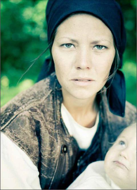 Anna Jonsdotter, ensamstående förälder år 1817, hur skulle hennes liv sett ut i dag ?