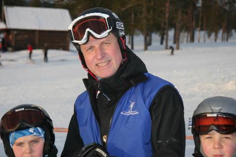 Skidor - Skidlärare med barn