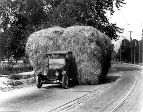 Fords første varebil fyller 100 år!