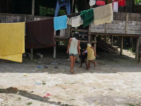 Colombia: Ett år efter fredsavtalet - civila är fortfarande utsatta för övergrepp