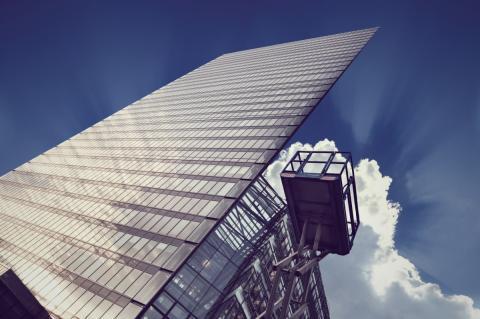 Henkilönostinten viikkotarkastus -palvelu parantaa työmaiden turvallisuutta