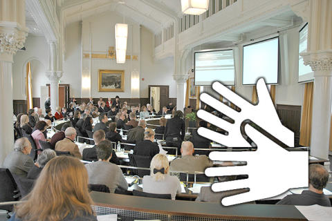 Teckenspråkstolkning av webbsändningarna från kommunfullmäktige