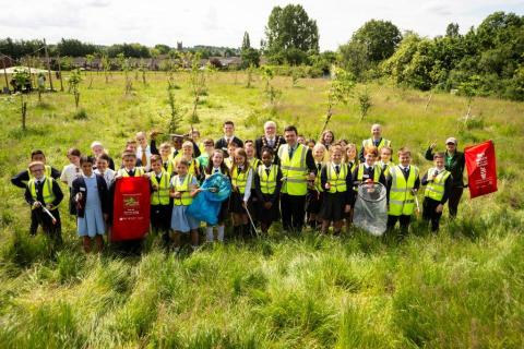 Mayor answers 'green' call by Radcliffe primary pupils