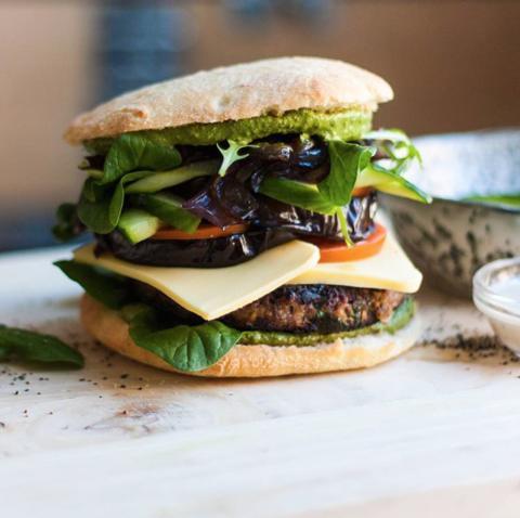 Gå ud og spis skovevenligt: Guide til de bedste veggie-burgere  i København