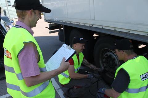 Dækkontrol på lastvogne