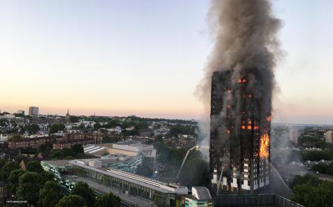 Brandskatastrofen i Grenfell Tower?Vad hände och hur bygger vi brandsäkert.