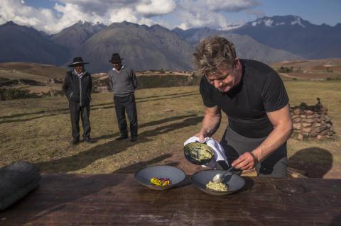 Gordon Ramsay tarjoilee kuumia seikkailuja National Geographicin uudessa ruokamatkailusarjassa
