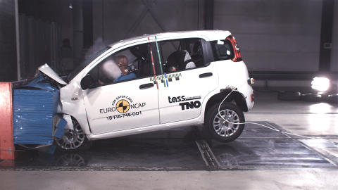FIAT Panda frontal offset impact test Dec 2018