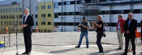 Halvvejs i Norge - Sygehuset i Østfold markerer milepæl i opførelsen