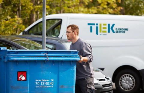 TJEK Ejendomsservice skal polere vinduer for TDC Group